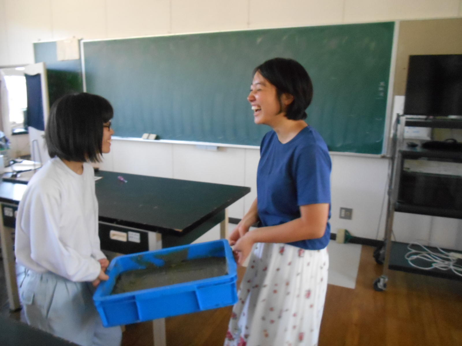 http://www.shimanet.ed.jp/hamadayougo/news/DSCN2402.JPG
