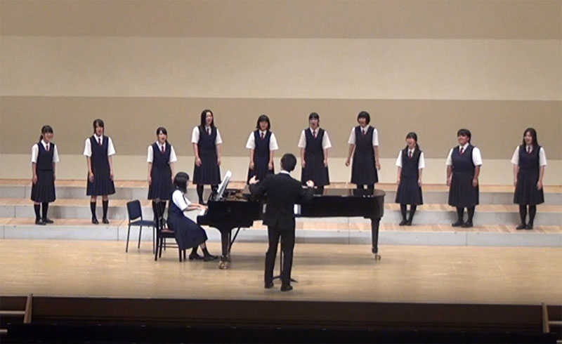 http://www.shimanet.ed.jp/izusho/news/choir140726_02.jpg