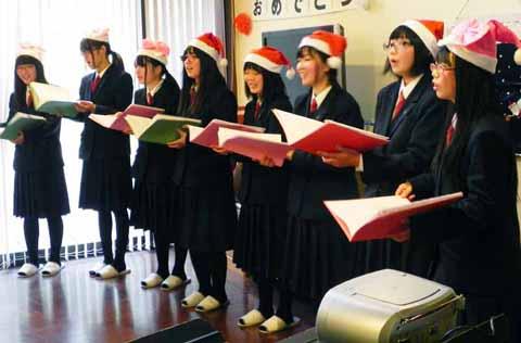 http://www.shimanet.ed.jp/izusho/news/choir141222_01.jpg