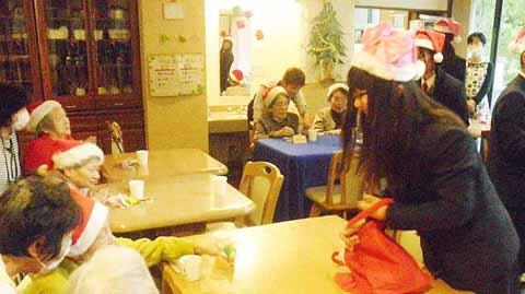 http://www.shimanet.ed.jp/izusho/news/choir141222_02.jpg