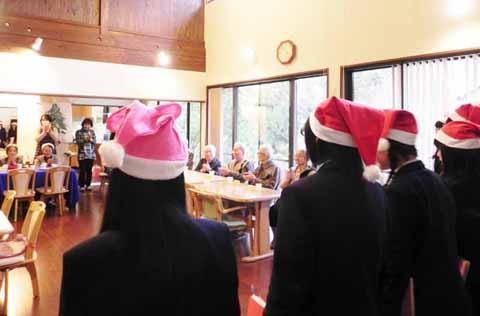http://www.shimanet.ed.jp/izusho/news/choir141222_03.jpg