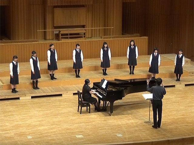 http://www.shimanet.ed.jp/izusho/news/choir_150614b.jpg