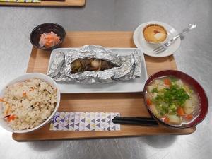 ブログ用 食堂1.jpg