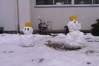 子どもたちが作った雪だるま