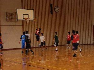 バスケット部の練習の様子