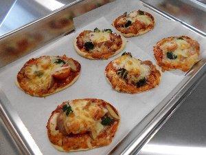 農産部門で作った野菜を使用したピザ